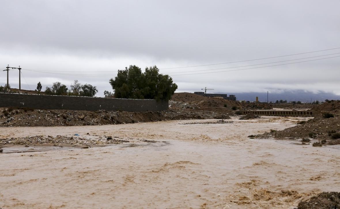 جاری شدن سیلاب در مناطق مختلف استان سمنان