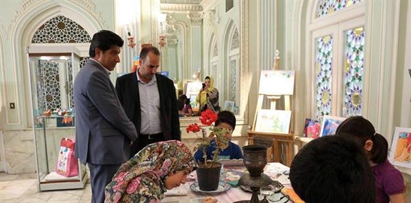 برگزاری نمایشگاه و کارگاه نقاشی بچه ها در گالری موزه آیینه و روشنایی یزد