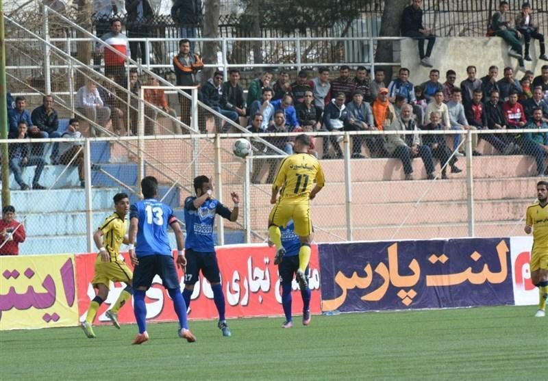 لیگ دسته اول فوتبال، فجرسپاسی با فتح دربی شیراز به صدر جدول رسید، فرار گل ریحان از شکست در دقایق پایانی