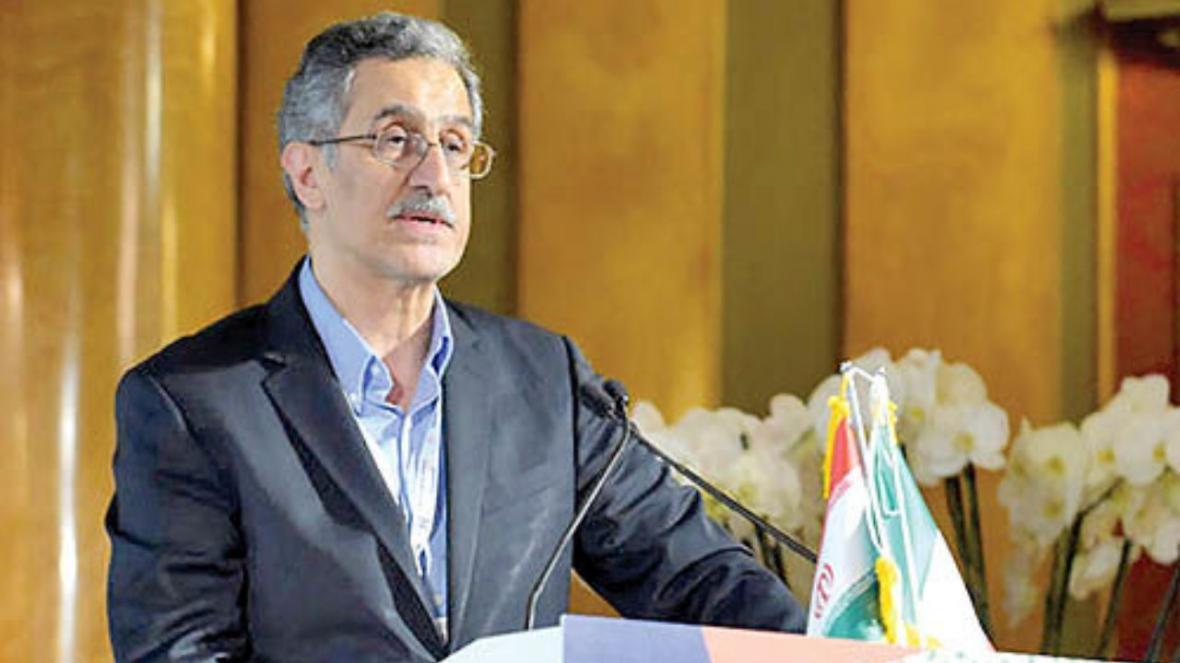 خوانساری: فواید آزادسازی سهام عدالت ، زمان پیگیری مطالبه فعالان مالی است