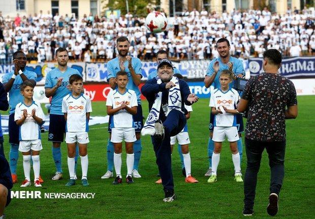 مارادونا: دستمزد مرا کم کنند اما قرارداد بازیکنانم را کاهش ندهند