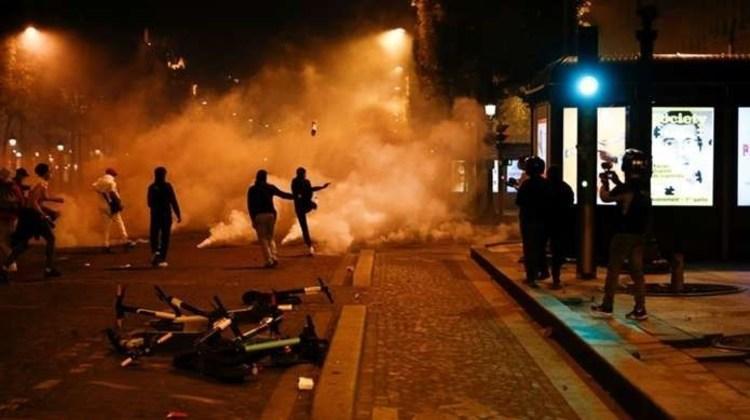 (عکس) اغتشاش طرفداران پاری سن ژرمن در پاریس در پی ناکامی PSG