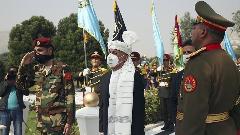اشرف غنی در میانهٔ گفتگوهای صلح افغانستان وارد قطر شد