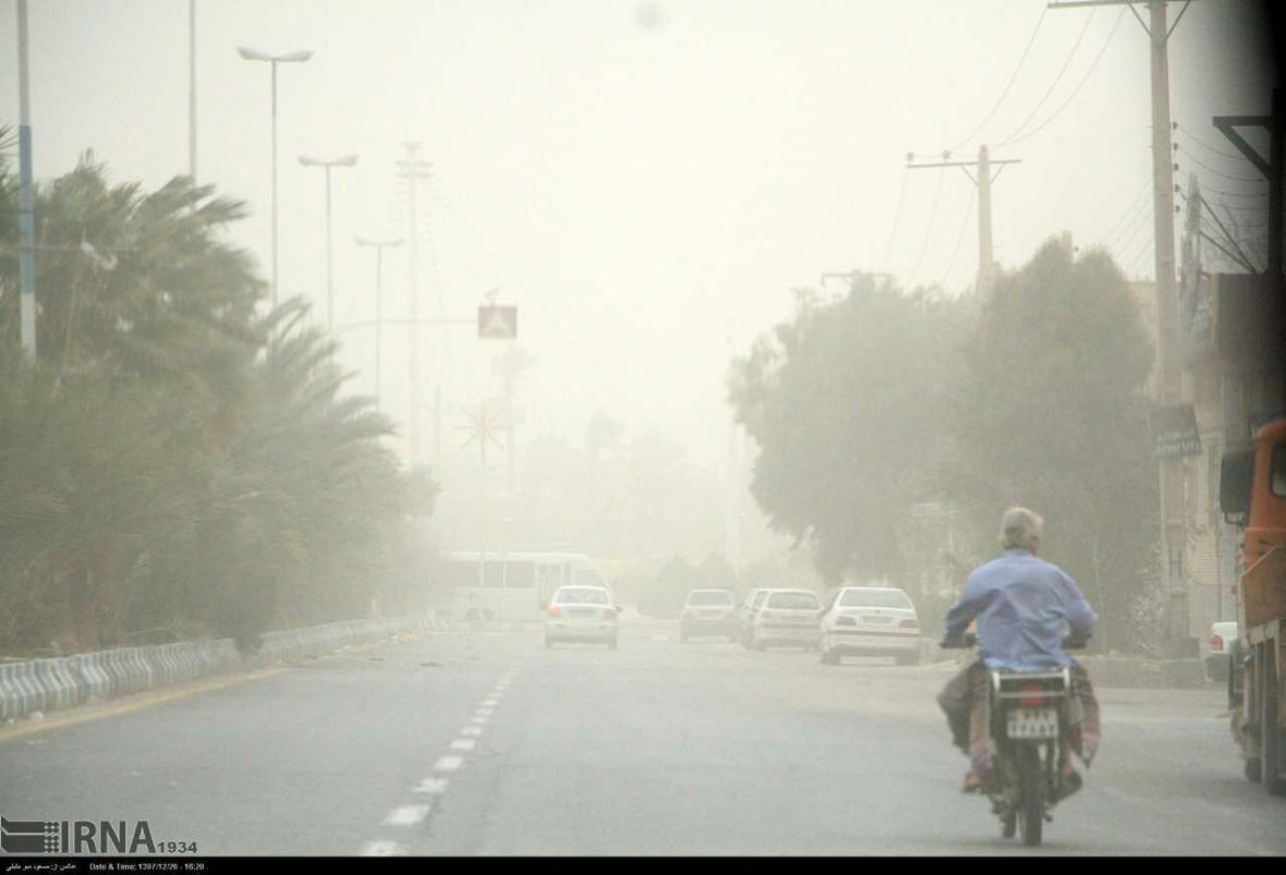 خبرنگاران مدیریت بحران خوزستان نسبت به آلودگی هوا در استان هشدار داد