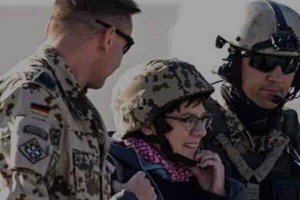 وزیر دفاع آلمان به افغانستان رفت