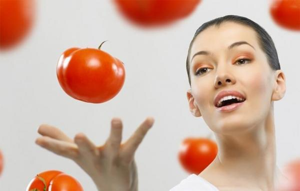 13 ماسک صورت آسان با گوجه فرنگی برای پوستی صاف و درخشان