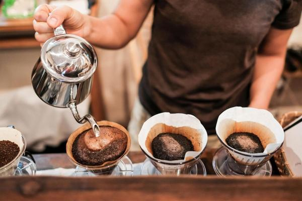 اگر هر روز قهوه می خورید این اتفاق ها برای بدن تان میفتد